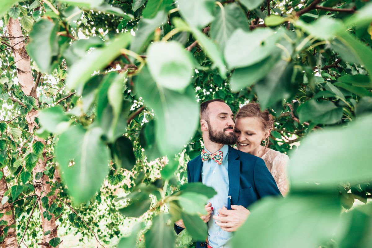 photographe mariage lille nord jeremy hourquin arbre feuille damoiselles nieppe.jpg