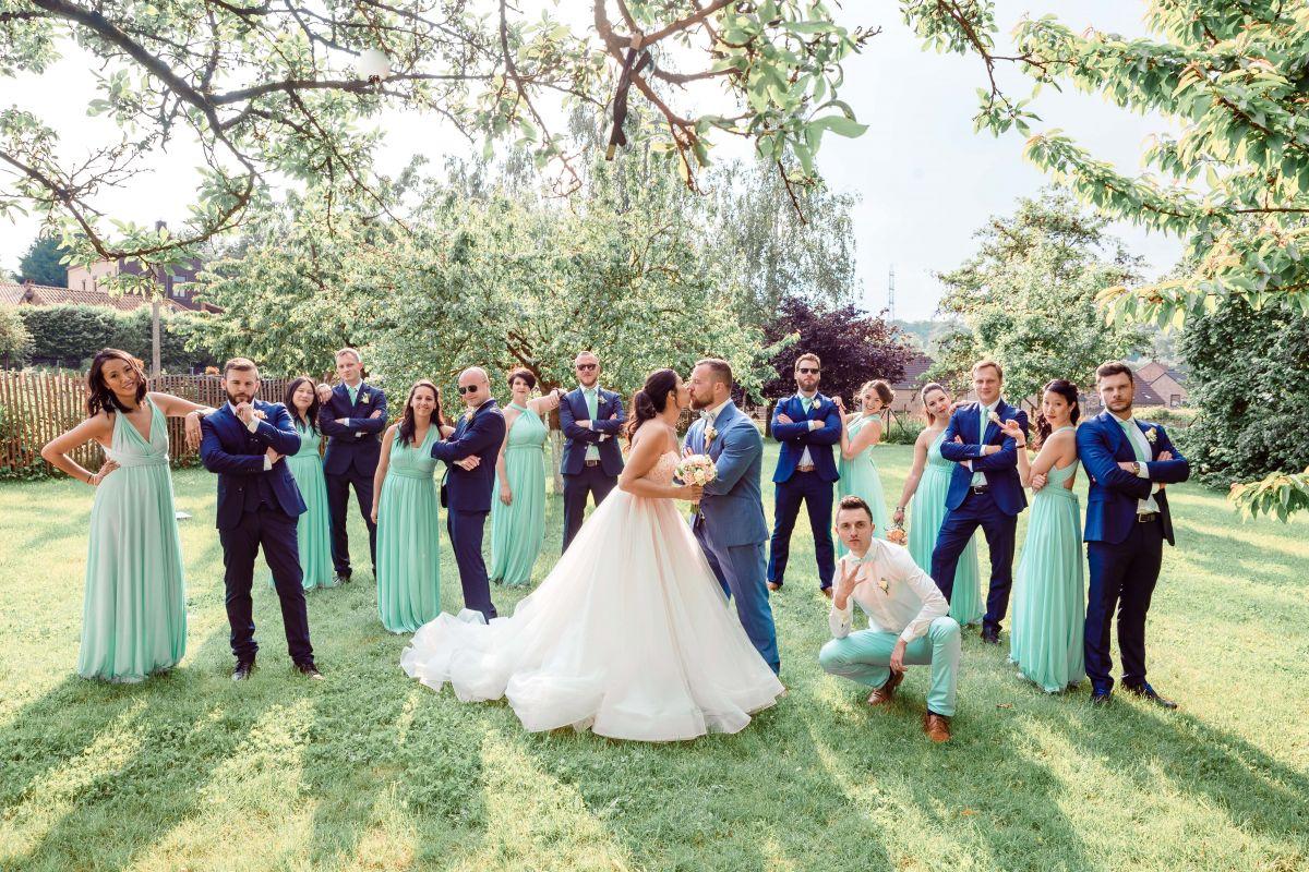photographe mariage lille nord jeremy hourquin beaulieu belgique groupe temoin pose couple.jpg