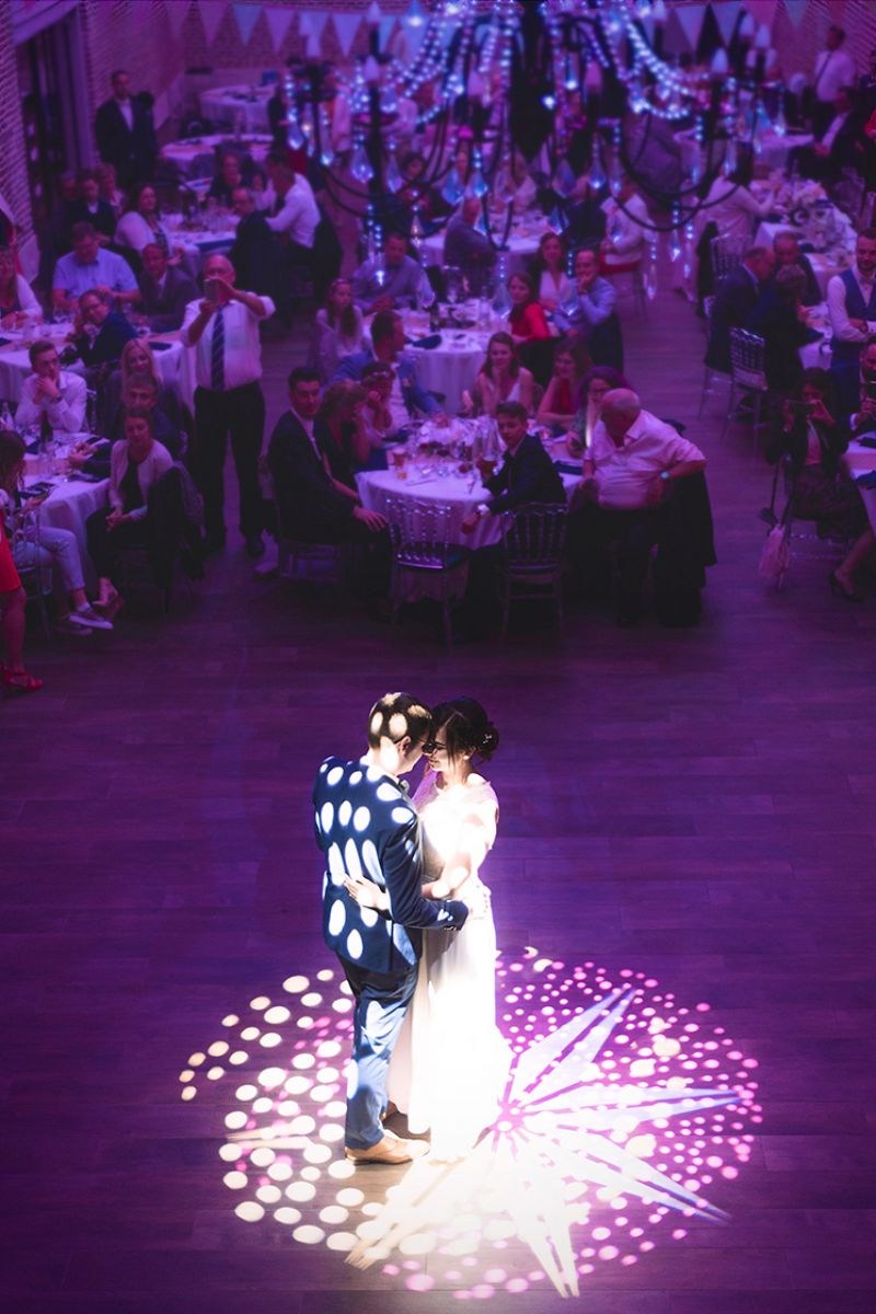 photographe mariage lille nord jeremy hourquin colombier ouverture bal couple lumiere.jpg