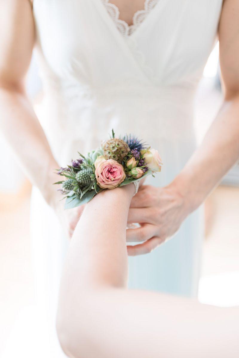 photographe mariage lille nord jeremy hourquin fleur femme temoin.jpg