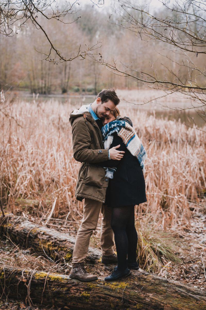photographe mariage lille nord jeremy hourquin foret phalempin tronc arbre.jpg