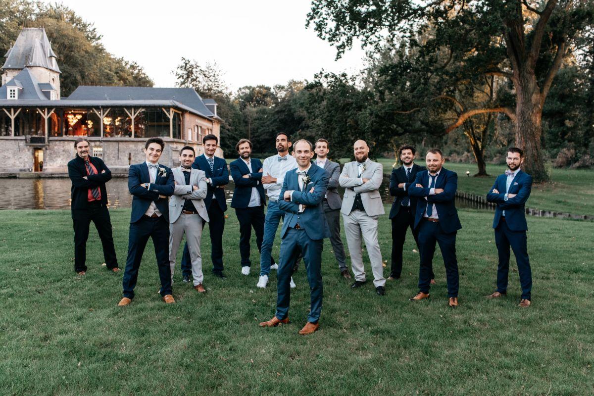 photographe mariage lille nord jeremy hourquin homme temoins amis chateau biez pecq belgique.jpg