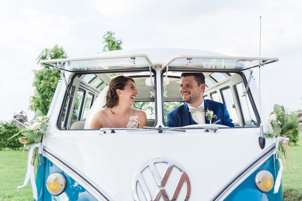 photographe mariage lille nord jeremy hourquin sources tournai volkswagen combi blanc bleu.jpg
